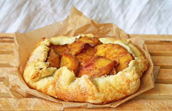 Peach-galette